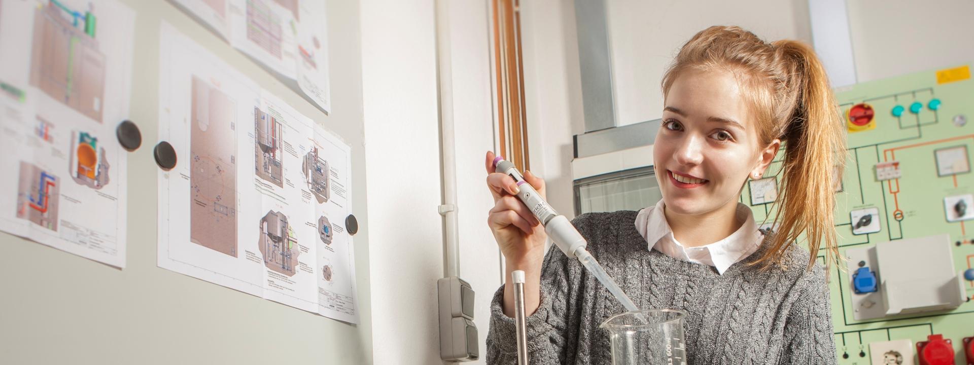 Studentin in der Forschung und Entwicklung bei KMA Umwelttechnik