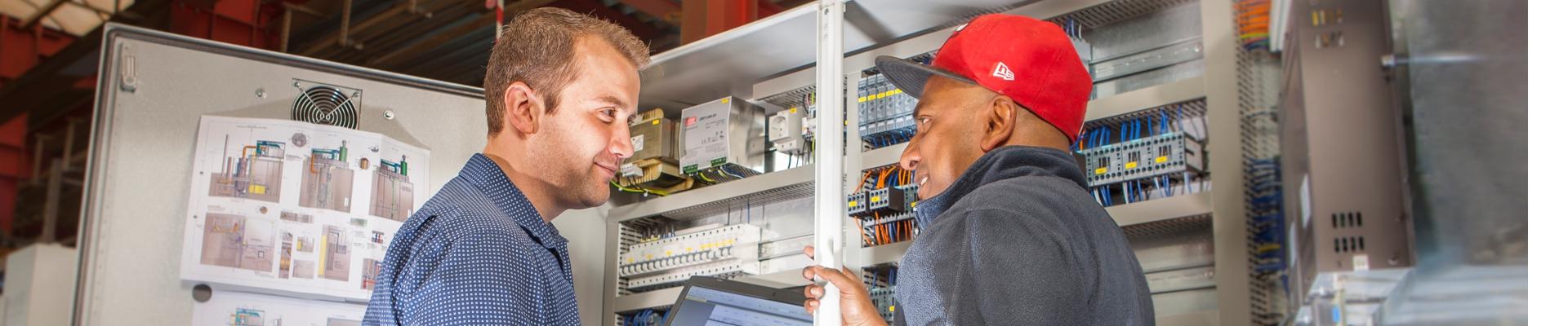 Mitarbeiter in der Elektroprojektierung bei KMA Umwelttechnik