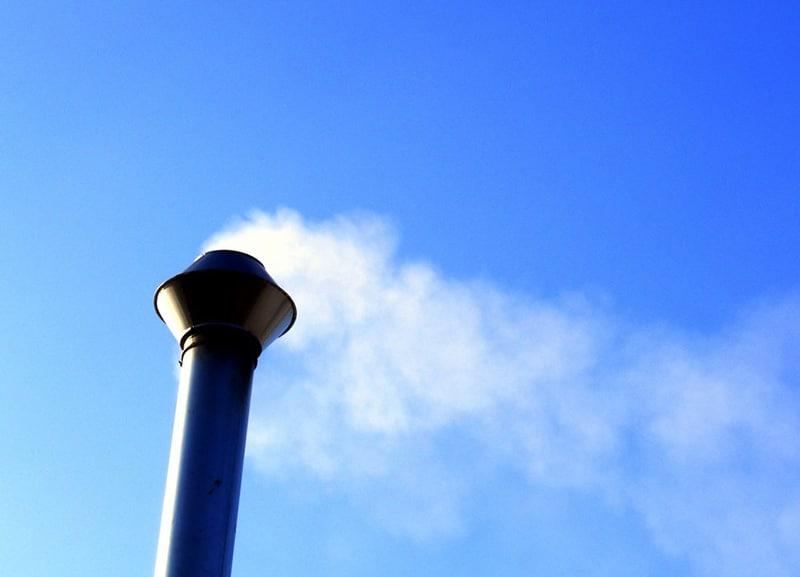 Industrielle Produktionsprozesse setzen Emissionen frei, welche ungefiltert in die Umwelt gelangen würden.