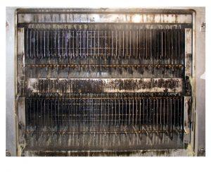 Das automatische Filterreinigungssystem (CIP) von KMA Umwelttechnik kann in jede KMA Abluftfilteranlage integriert werden. Es reinigt das Filtermodul effizient und ohne Produktionsausfall oder Personalaufwand und kann individuell programmiert werden.