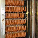 Wurstwaren unterliegen räuchereispezifischen Anforderungen bei der Abluftreinigung.