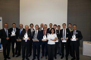 Mitarbeiter von KMA Umwelttechnik nehmen den MM Innovations Award entgegen