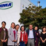 Chinesische Delegation vor dem KMA Gebäude
