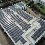 KMA installiert eine Photovoltaik Anlage auf drei Dächern der Produktionshalle und wird somit in Hinblick auf den Stromverbrauch zu 100% klimaneutral.