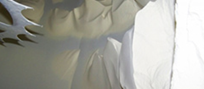 Sprühtrockner benötigen hochwirksame Staubfilter, um das Ausströmen feinster Staubpartikel zu vermeiden. Ohne Produktrückgewinnung werden wertvolle Staubpartikel abgeschieden.